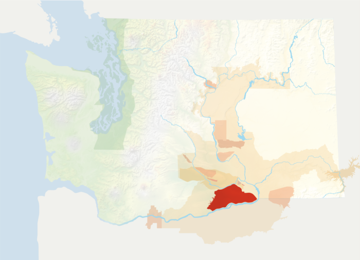 Map of Washington with the Horse Heaven Hills AVA in red, surrounded by the rest of the AVAs in muted greens and oranges.